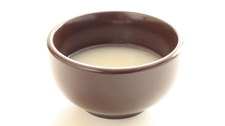 Clear, Cloudy, or Yellow – What Color is Sake Supposed To Be?